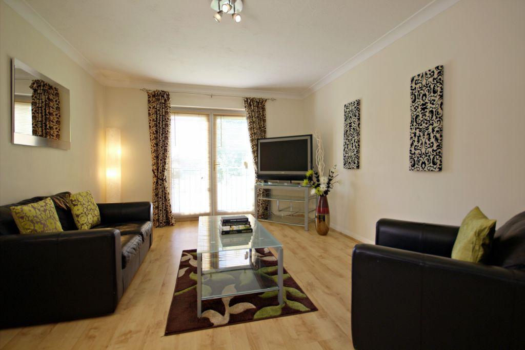 image 1 furnished 1 bedroom Apartment for rent in Bracknell Forest, Berkshire