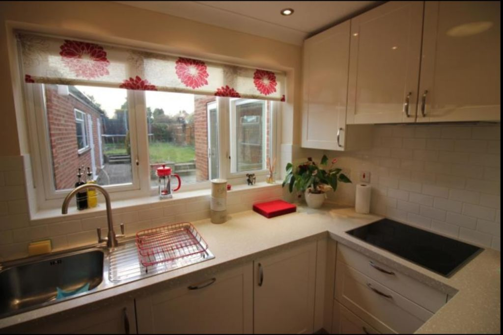 image 4 furnished 3 bedroom Apartment for rent in Cambridge, Cambridgeshire