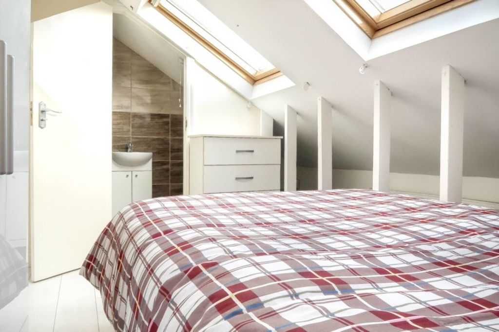 image 4 furnished 1 bedroom Apartment for rent in Plaistow, Newham