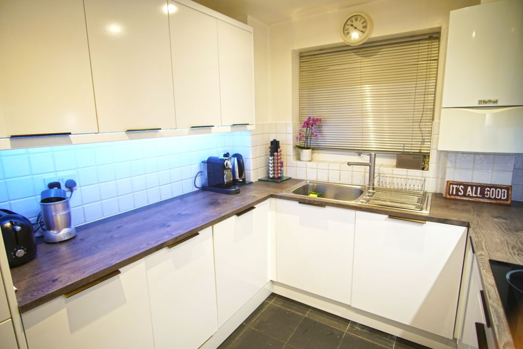 image 10 furnished 2 bedroom Apartment for rent in Poplar, Tower Hamlets