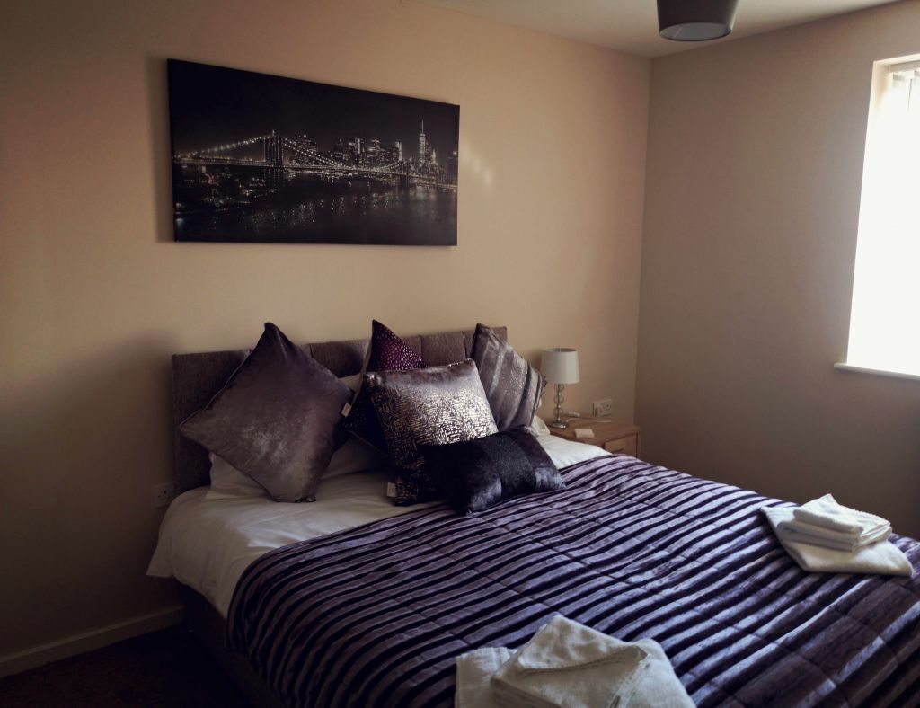 image 5 furnished 1 bedroom Apartment for rent in Longford, Hillingdon