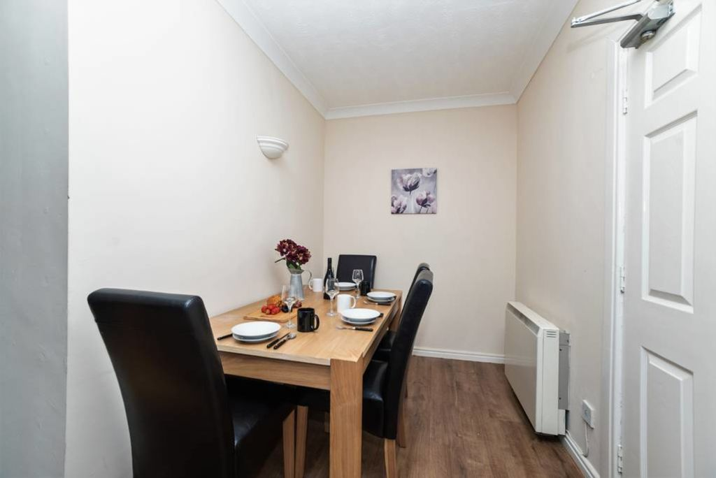image 7 furnished 2 bedroom Apartment for rent in Gateshead, Tyne and Wear