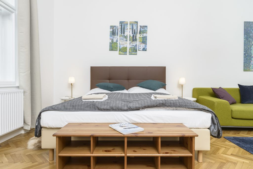 image 6 furnished 3 bedroom Apartment for rent in Innere Stadt, Vienna