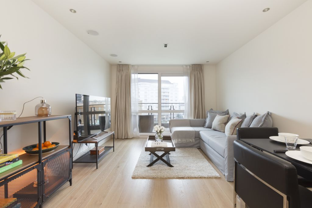 image 1 furnished 3 bedroom Apartment for rent in Sands End, Hammersmith Fulham