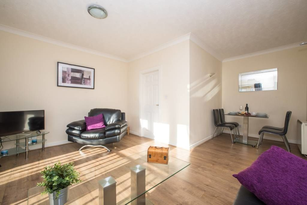 image 5 furnished 2 bedroom Apartment for rent in Gateshead, Tyne and Wear