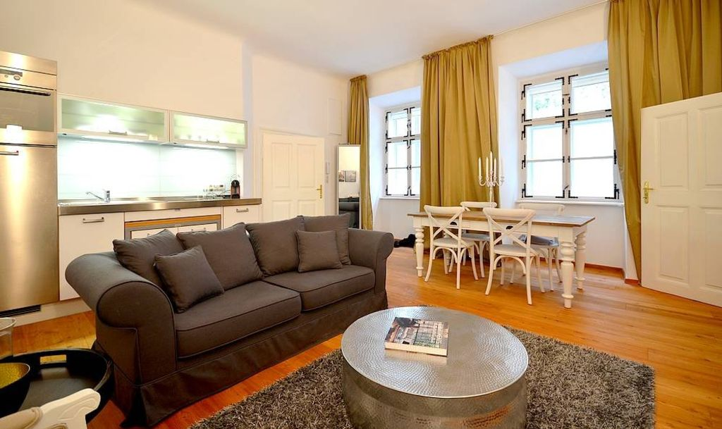 image 1 furnished 1 bedroom Apartment for rent in Innere Stadt, Vienna