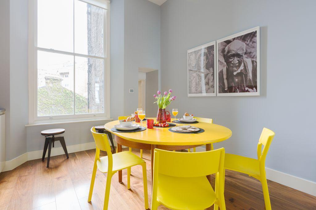 image 10 furnished 3 bedroom Apartment for rent in Kensington, Kensington Chelsea