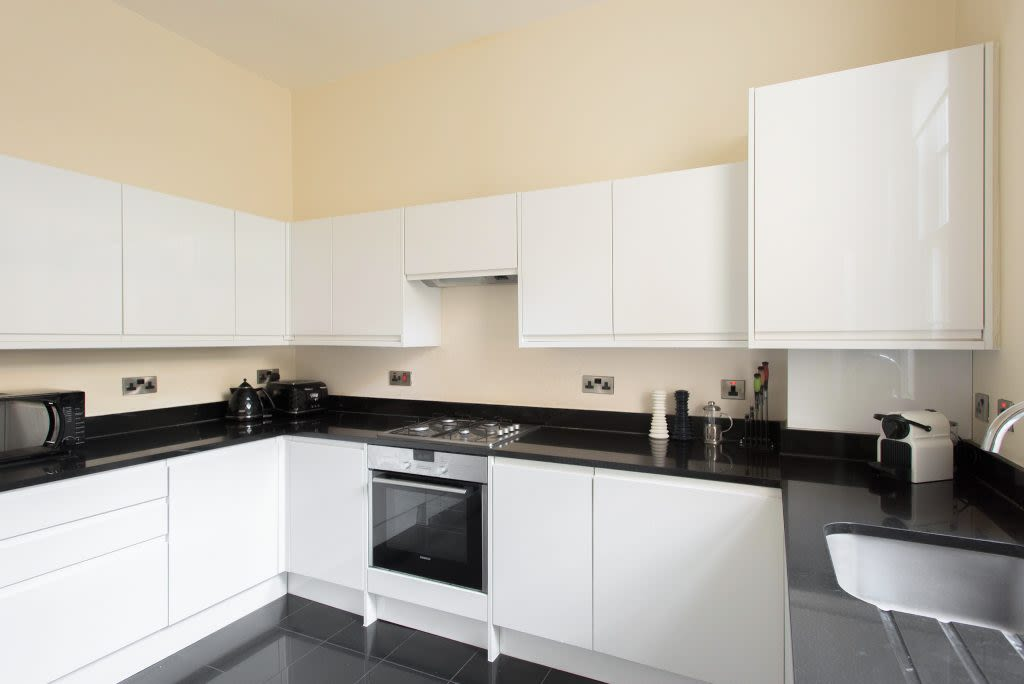 image 5 furnished 4 bedroom Apartment for rent in Westminster, City of Westminster