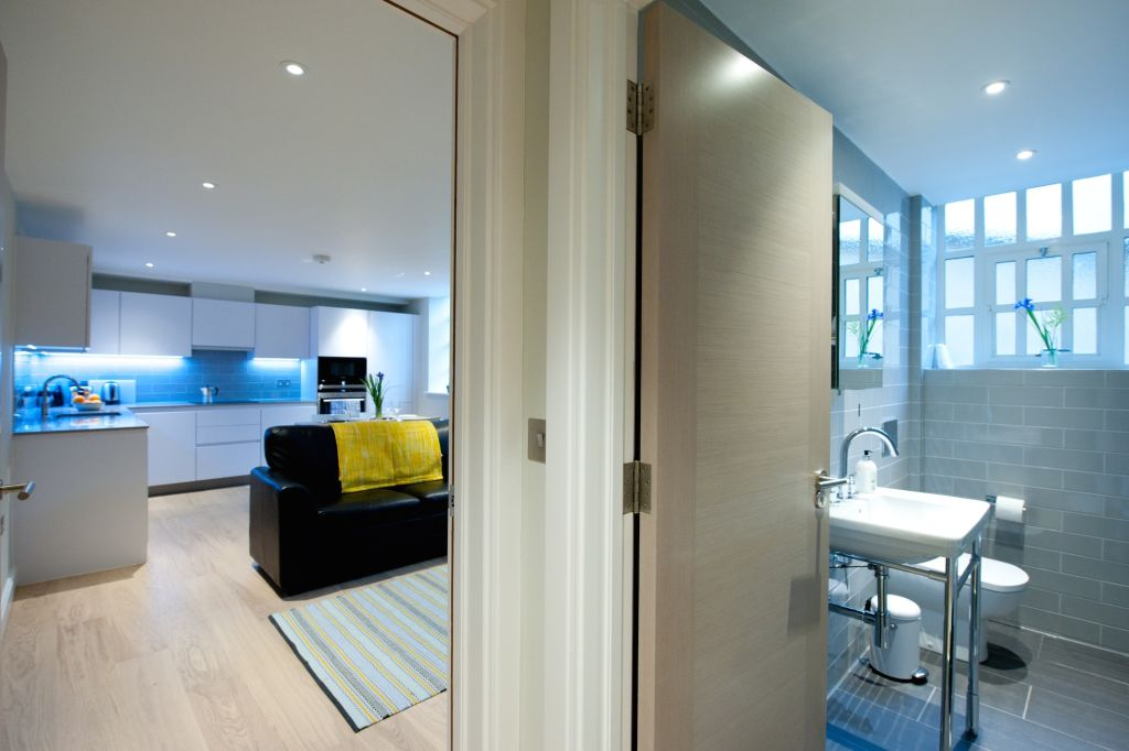 image 10 furnished 1 bedroom Apartment for rent in Spitalfields, Tower Hamlets