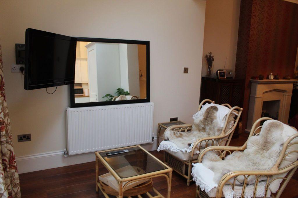 image 7 furnished 2 bedroom Apartment for rent in Croydon, Croydon
