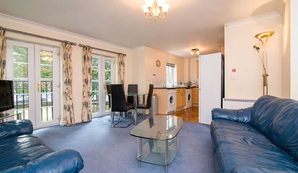 image 3 furnished 2 bedroom Apartment for rent in Stockport, Greater Manchester