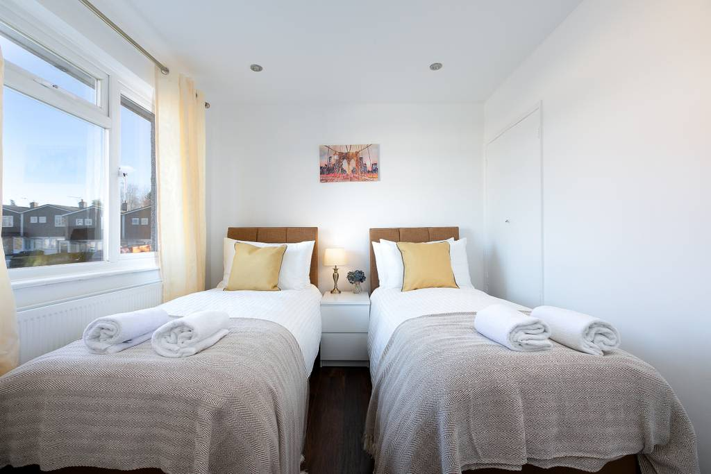 image 8 furnished 1 bedroom Apartment for rent in Welwyn Hatfield, Hertfordshire