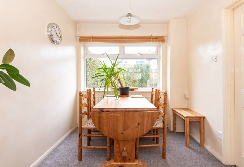 image 3 furnished 3 bedroom Apartment for rent in Leeds, West Yorkshire