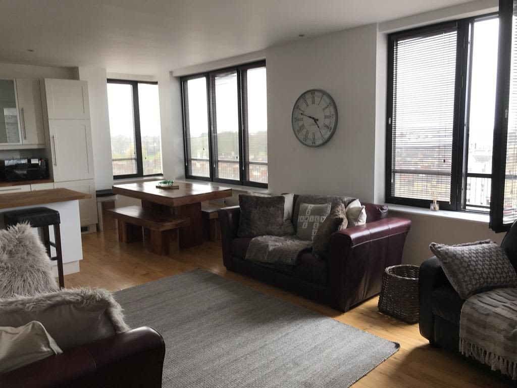 image 1 furnished 2 bedroom Apartment for rent in Swindon, Wiltshire