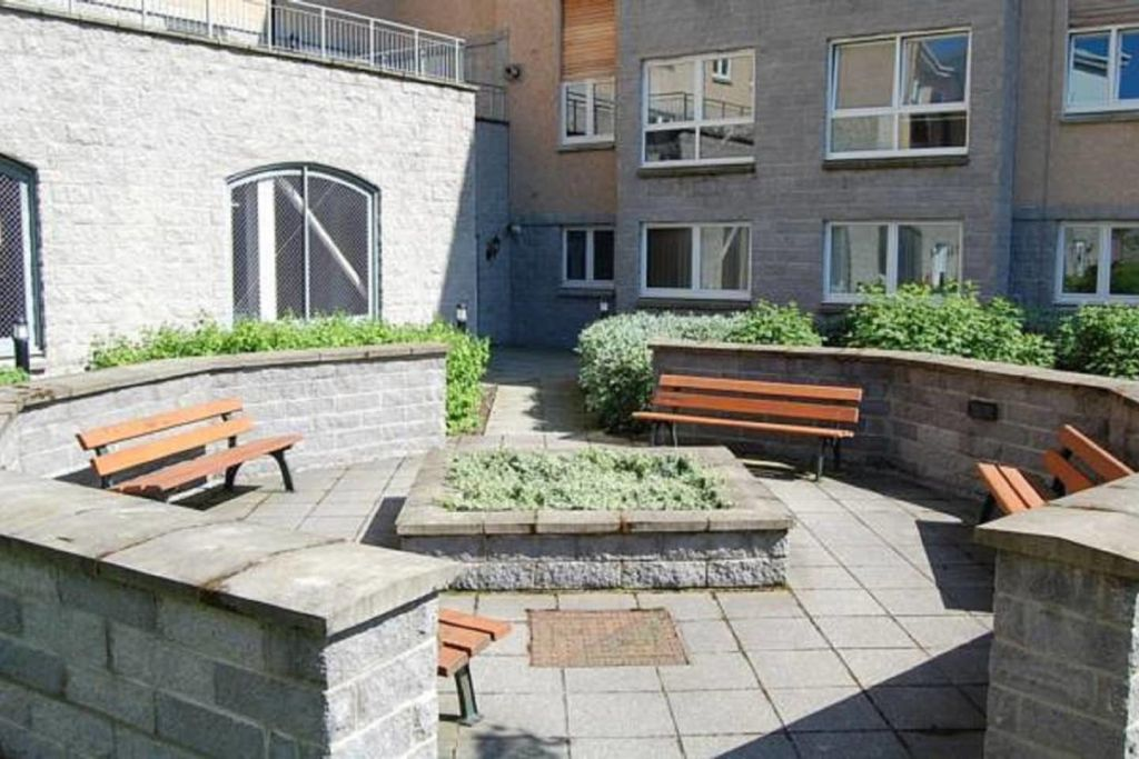 image 9 furnished 2 bedroom Apartment for rent in Aberdeen, Scotland