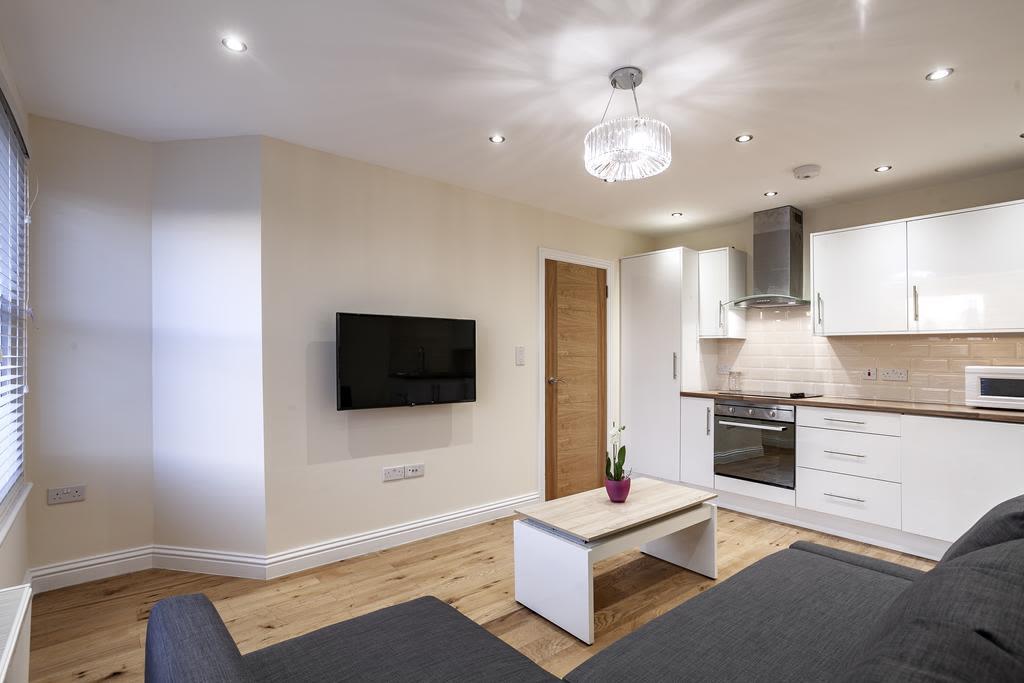 image 4 furnished 2 bedroom Apartment for rent in Cricklewood, Barnet