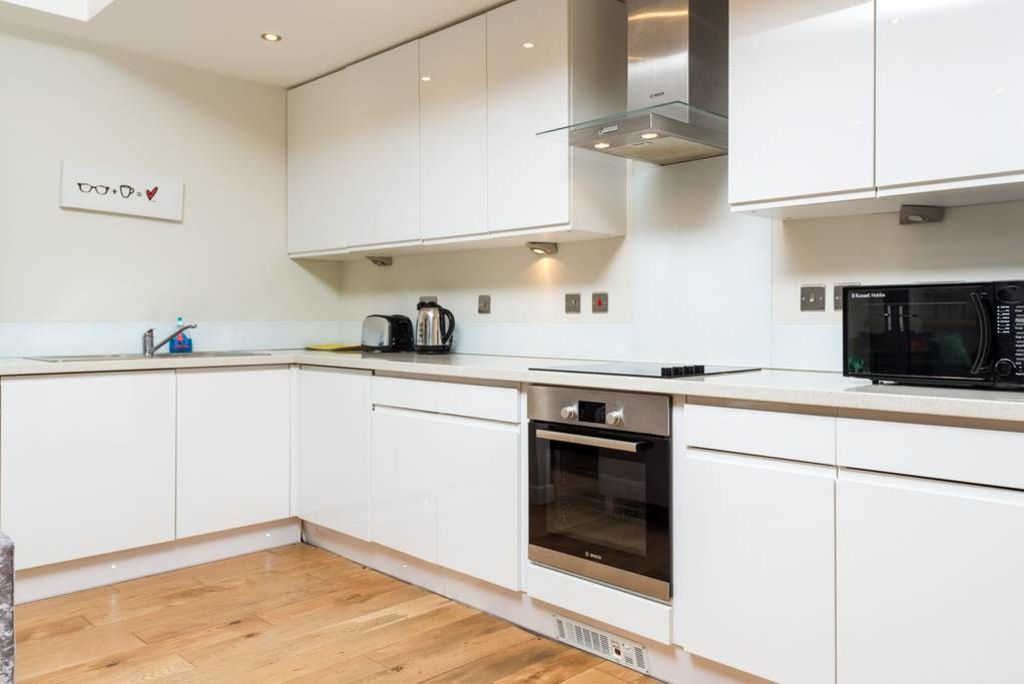 image 10 furnished 3 bedroom Apartment for rent in Stockwell, Lambeth