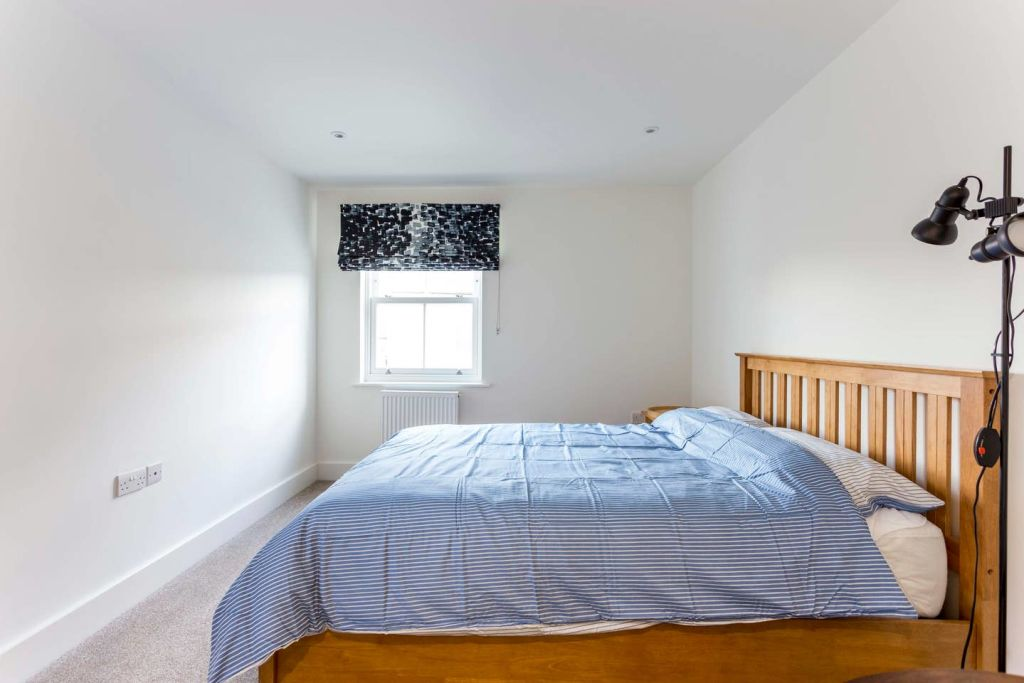 image 7 furnished 3 bedroom Apartment for rent in Cambridge, Cambridgeshire