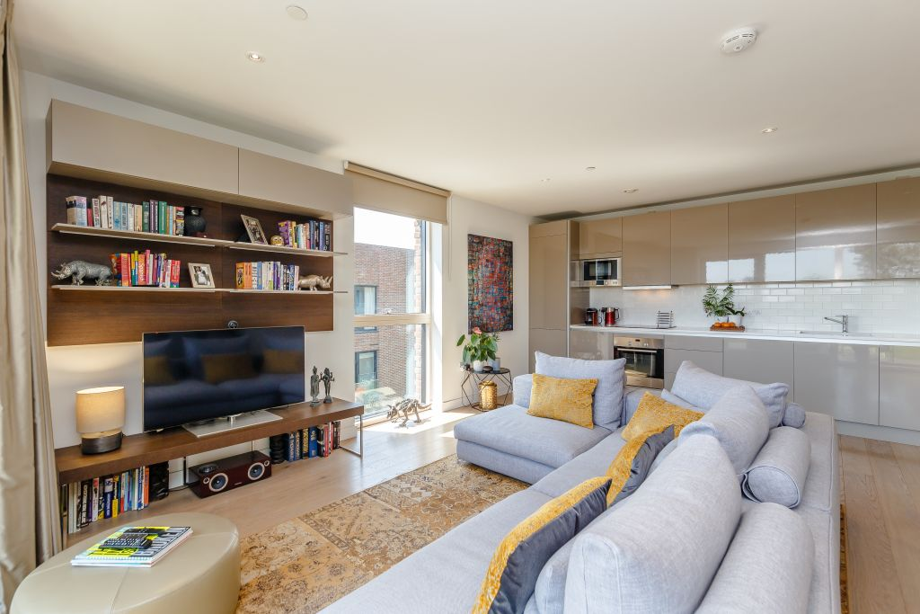 image 5 furnished 2 bedroom Apartment for rent in Walworth, Southwark