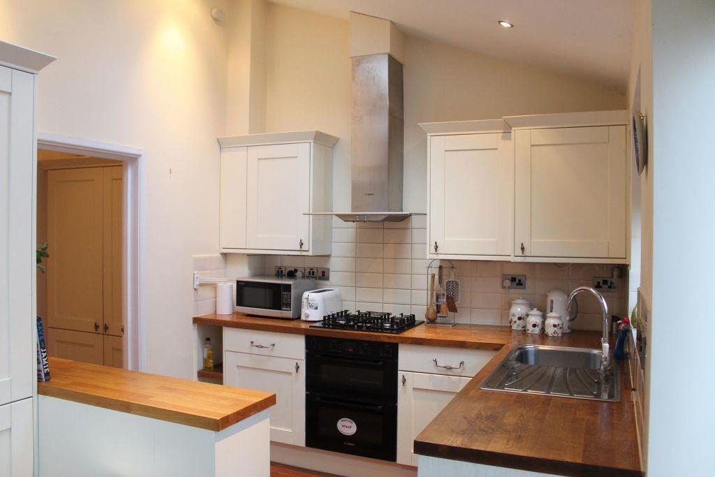 image 1 furnished 2 bedroom Apartment for rent in Croydon, Croydon
