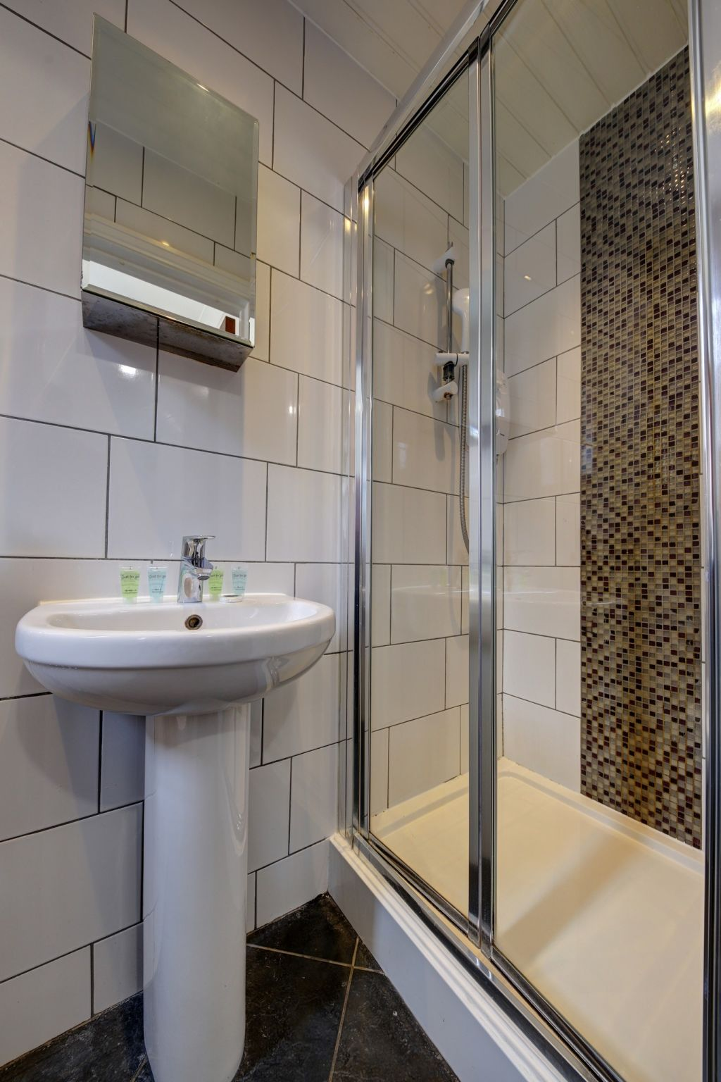 image 9 furnished 1 bedroom Apartment for rent in Willesden, Brent