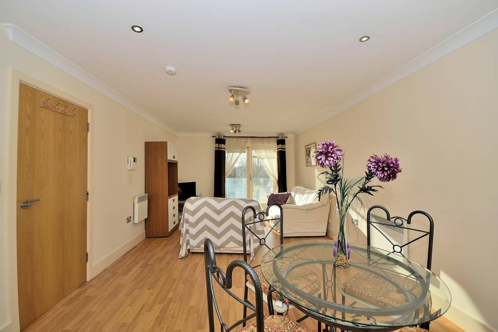 image 10 furnished 2 bedroom Apartment for rent in Chester, Cheshire