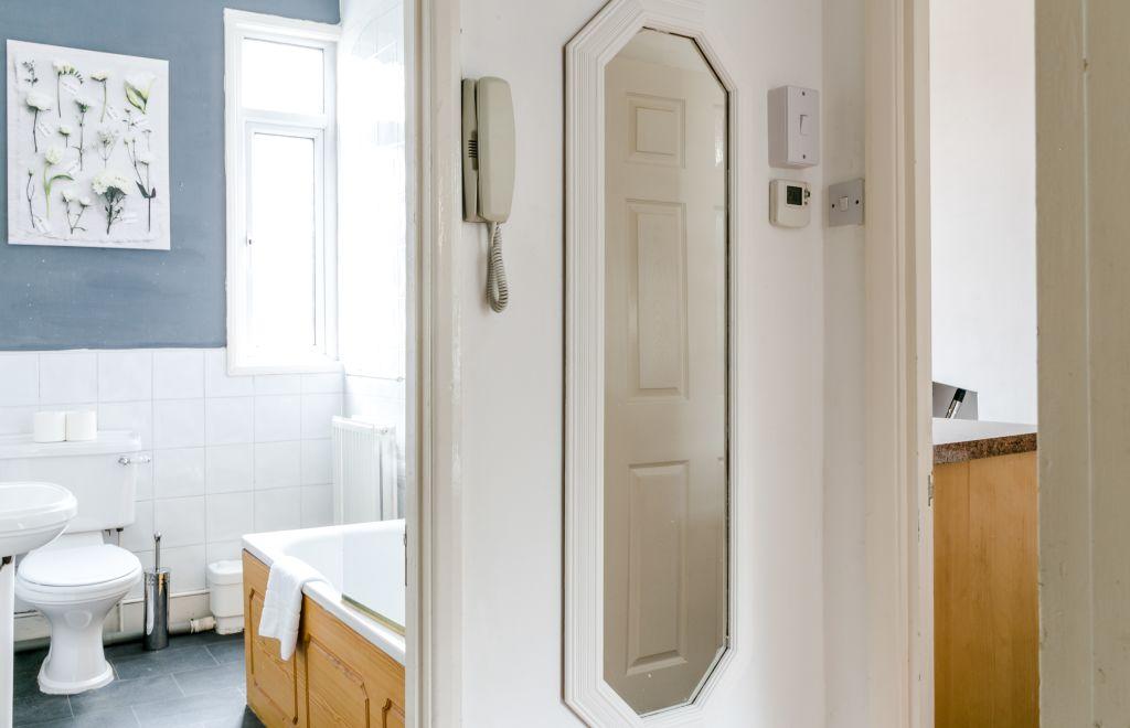 image 7 furnished 1 bedroom Apartment for rent in Stoke Newington, Hackney