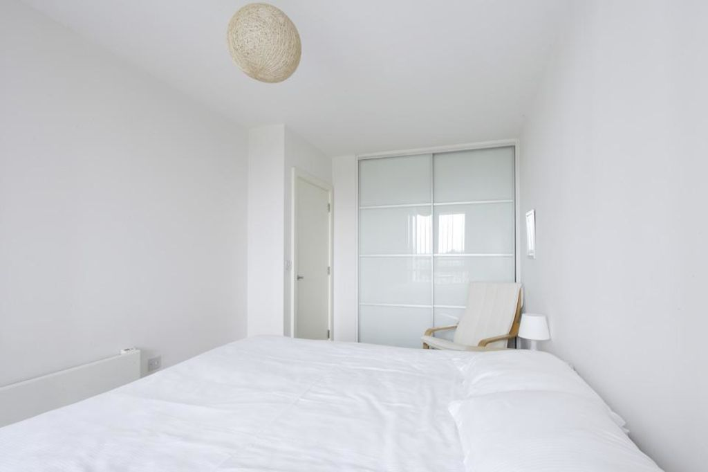 image 1 furnished 1 bedroom Apartment for rent in Dacorum, Hertfordshire