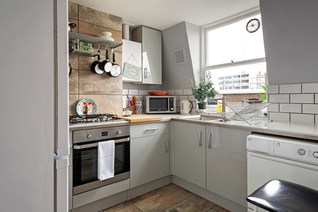 image 7 furnished 2 bedroom Apartment for rent in Whitechapel, Tower Hamlets