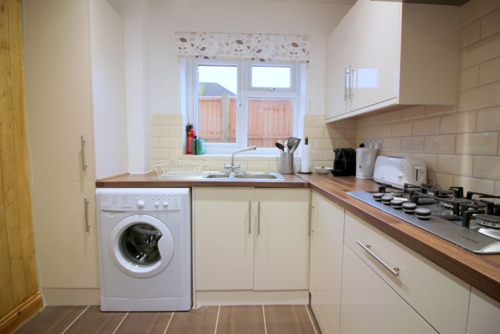 image 7 furnished 1 bedroom Apartment for rent in Cowley, Hillingdon