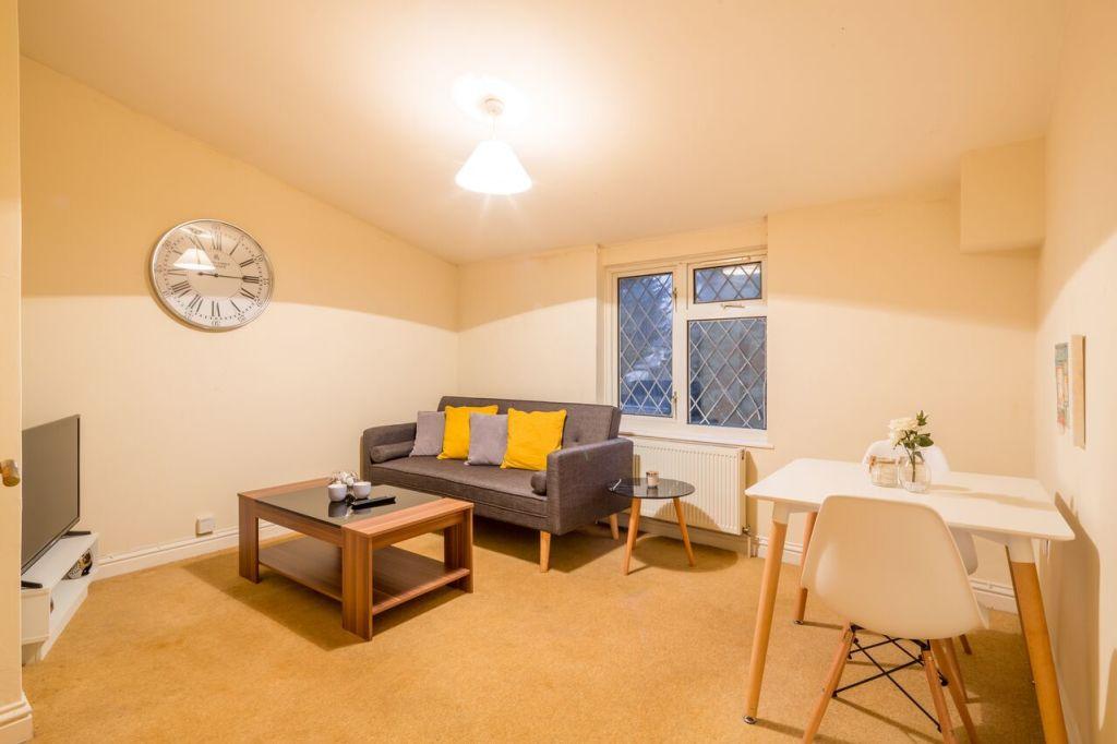 image 9 furnished 1 bedroom Apartment for rent in Stevenage, Hertfordshire
