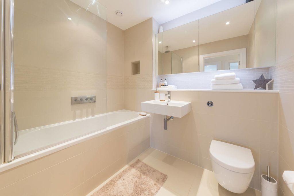 image 8 furnished 2 bedroom Apartment for rent in Brentford, Hounslow