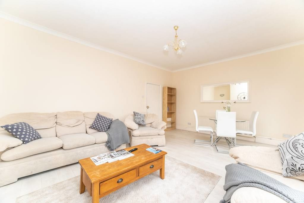 image 3 furnished 3 bedroom Apartment for rent in South Tyneside, Tyne and Wear