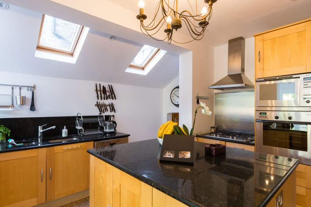 image 7 furnished 4 bedroom Apartment for rent in Sands End, Hammersmith Fulham
