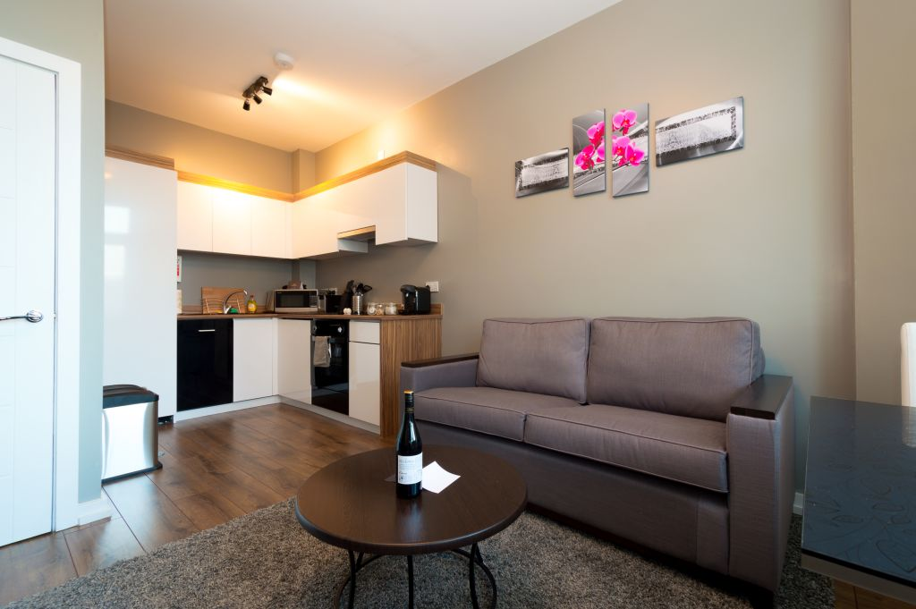 image 1 furnished 1 bedroom Apartment for rent in Cardiff, Wales