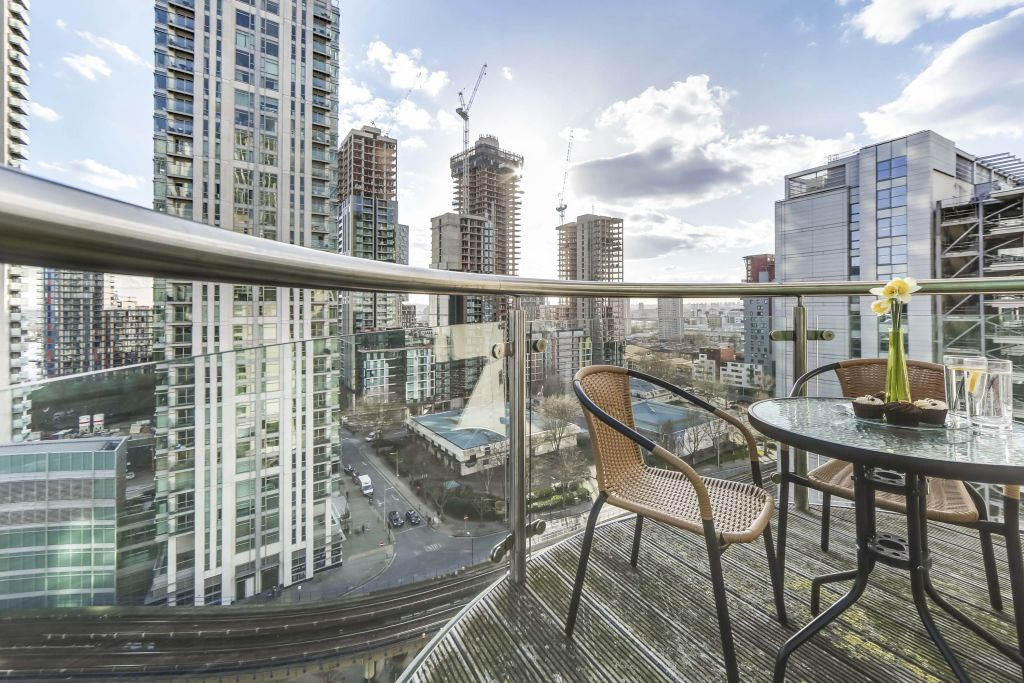 image 3 furnished 2 bedroom Apartment for rent in Canary Wharf, Tower Hamlets