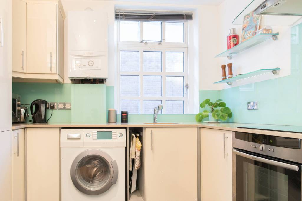 image 10 furnished 2 bedroom Apartment for rent in Clerkenwell, Islington