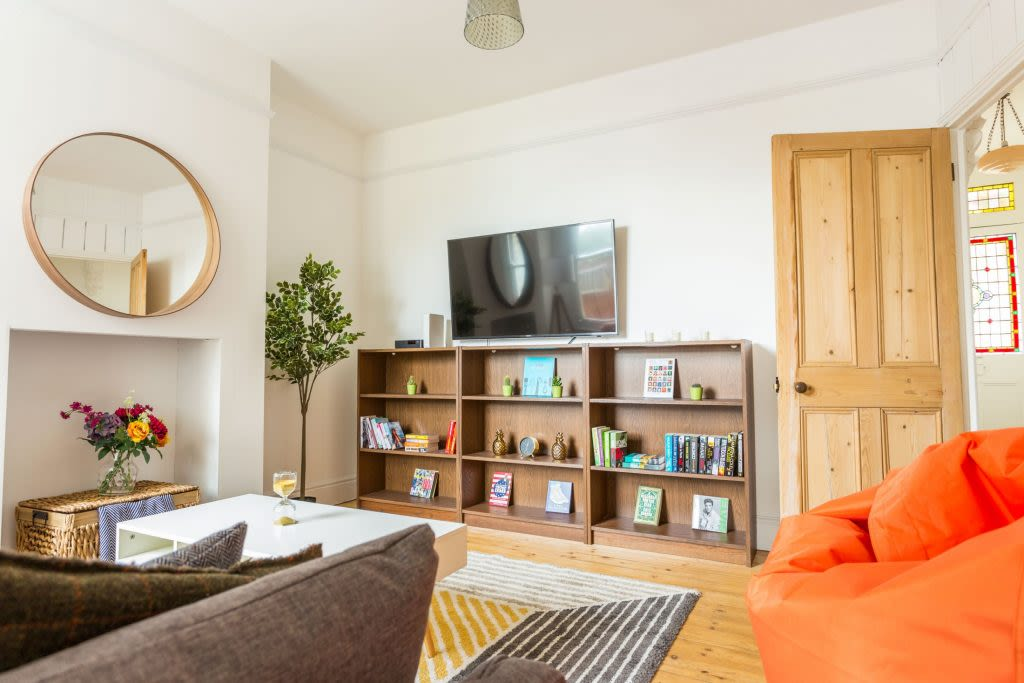image 2 furnished 4 bedroom Apartment for rent in Cambridge, Cambridgeshire