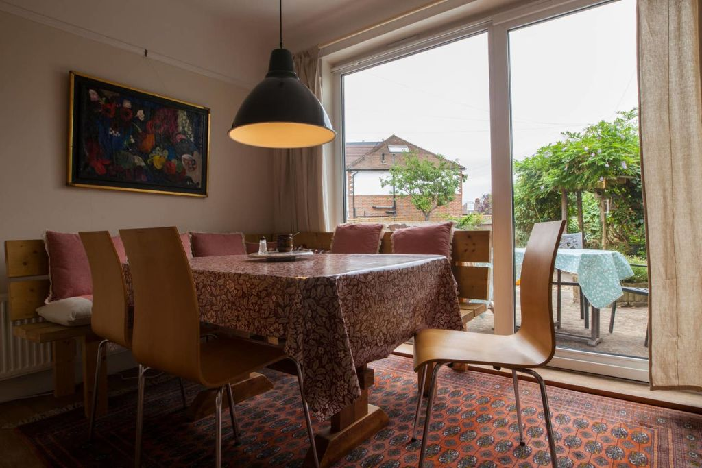 image 3 furnished 4 bedroom Apartment for rent in Wandsworth, Wandsworth