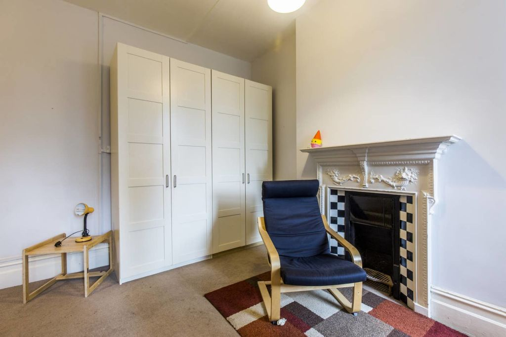 image 1 furnished 3 bedroom Apartment for rent in West Hampstead, Camden