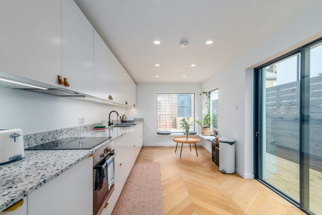 image 1 furnished 3 bedroom Apartment for rent in Hackney Wick, Hackney