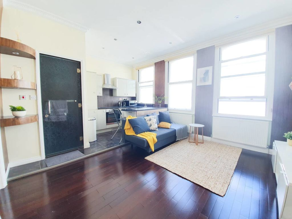 image 5 furnished 1 bedroom Apartment for rent in Covent Garden, City of Westminster