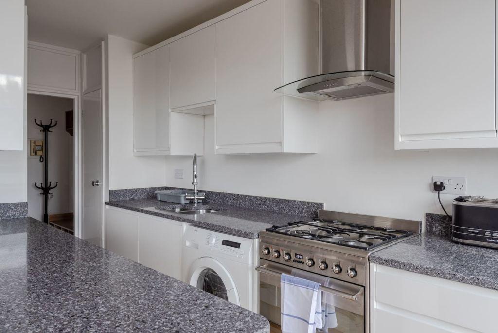 image 4 furnished 2 bedroom Apartment for rent in Mile End, Tower Hamlets