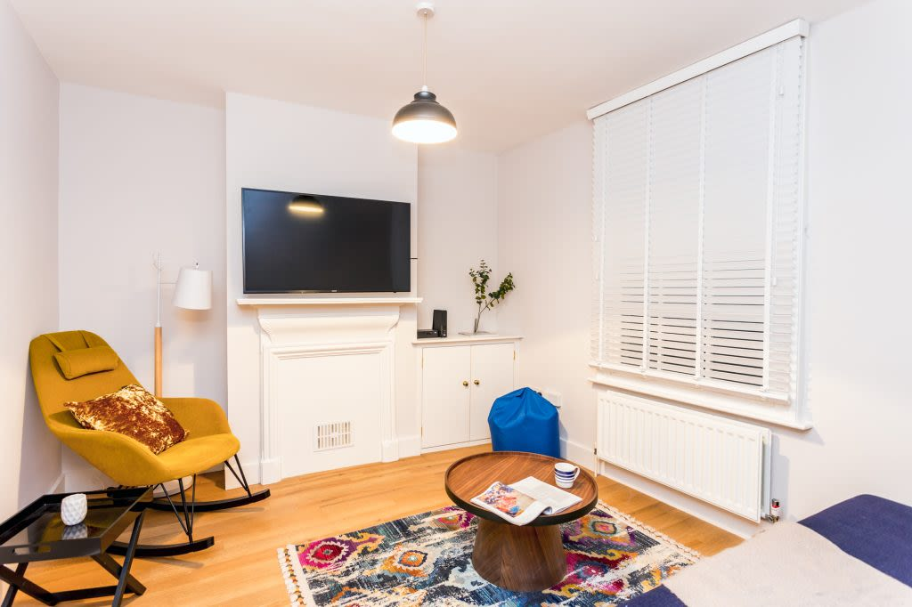 image 2 furnished 3 bedroom Apartment for rent in Cambridge, Cambridgeshire