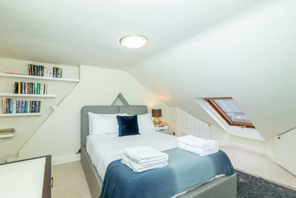 image 6 furnished 4 bedroom Apartment for rent in South Wimbledon, Merton