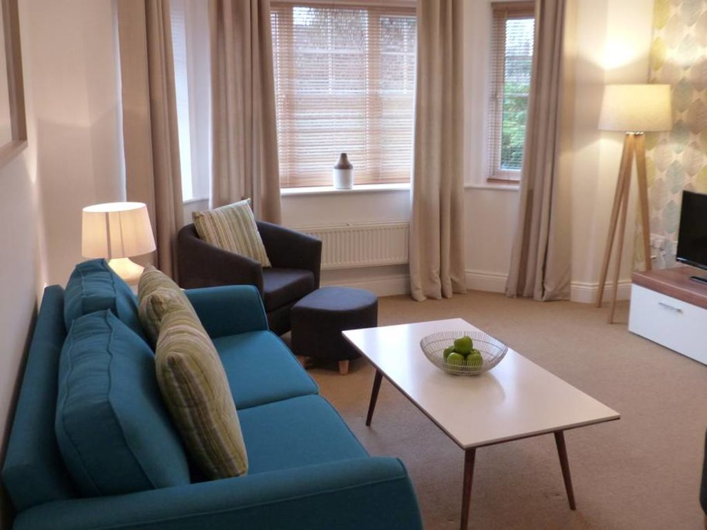 image 3 furnished 2 bedroom Apartment for rent in Basingstoke and Deane, Hampshire