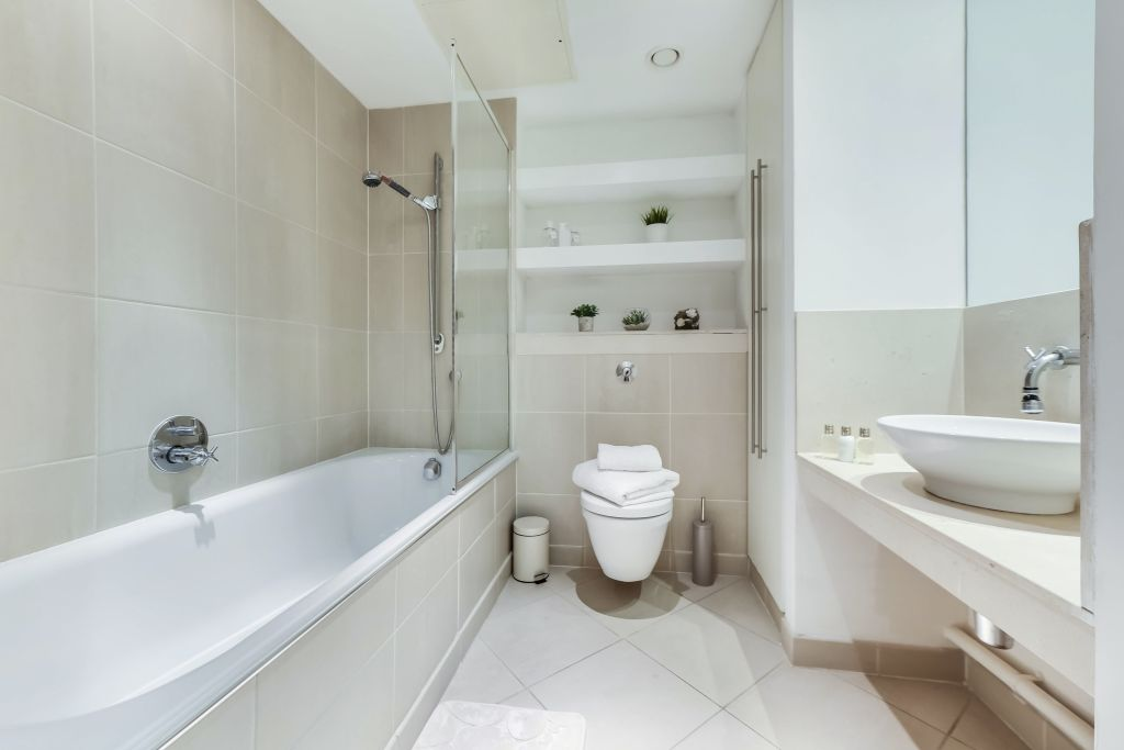 image 7 furnished 2 bedroom Apartment for rent in Canary Wharf, Tower Hamlets