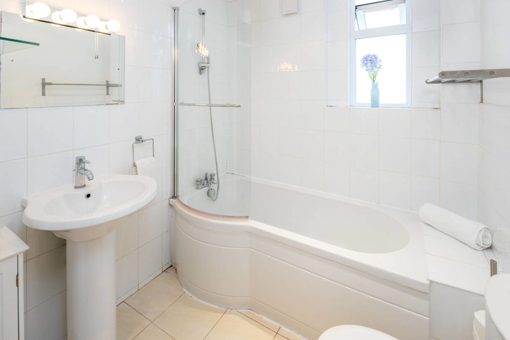 image 9 furnished 2 bedroom Apartment for rent in Fulham, Hammersmith Fulham
