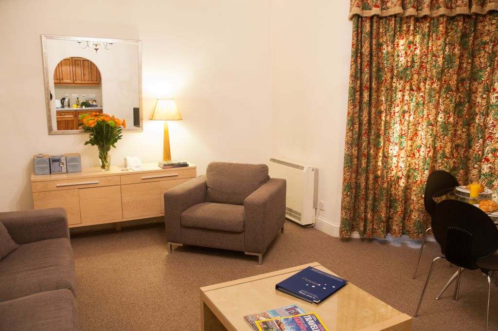 image 8 furnished 1 bedroom Apartment for rent in Windsor and Maidenhead, Berkshire