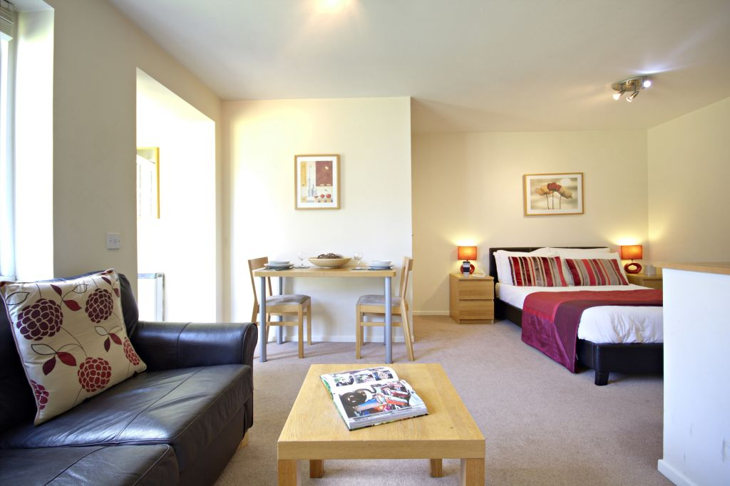 image 2 furnished 1 bedroom Apartment for rent in Bracknell Forest, Berkshire